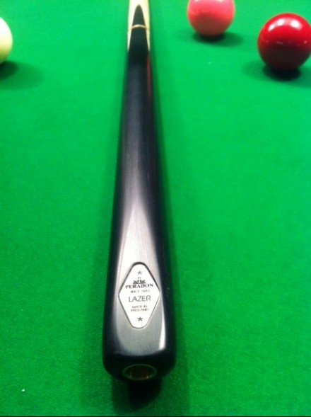 Peradon Lazor 3/4 three piece snooker cue
