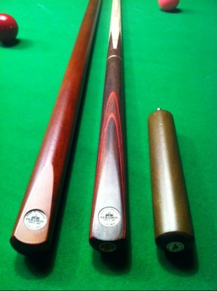 Crown 3/4 snooker cue